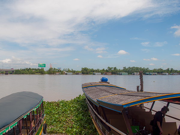 メコン川クルーズのボート