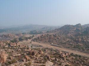 巨大岩が散らばる絶景