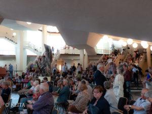 あふれる観客