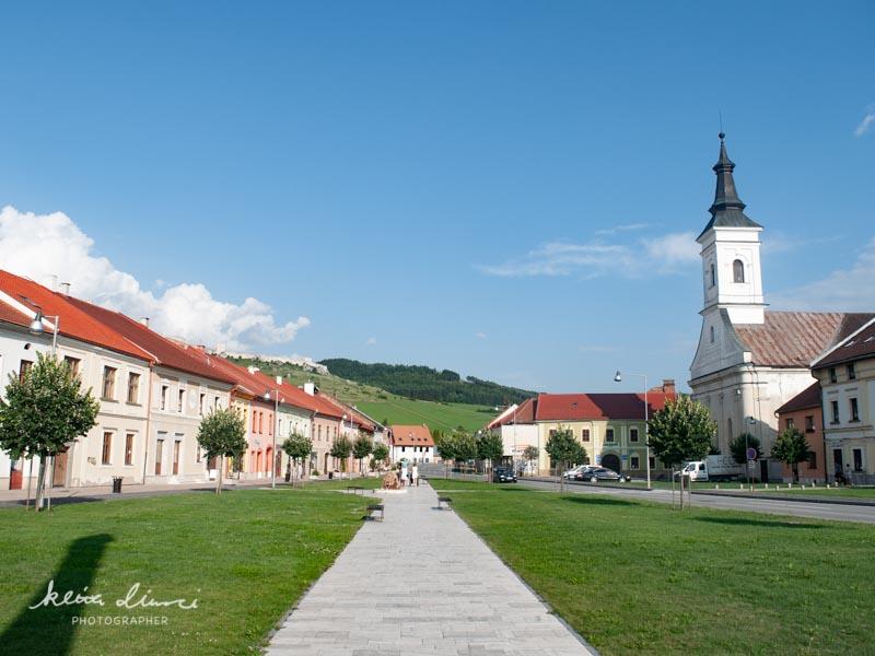 スピシュキー・ポドフラディエの教会前